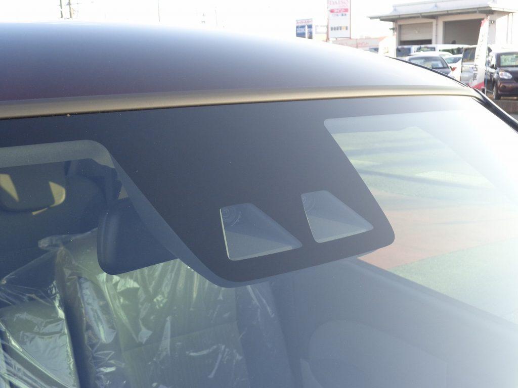 ■ダイハツの安全運転支援装備スマートアシストⅢ搭載車です