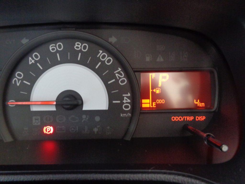 ■走行距離は撮影時点で4km。ほとんど走っていない届出済未使用車のおクルマです♪