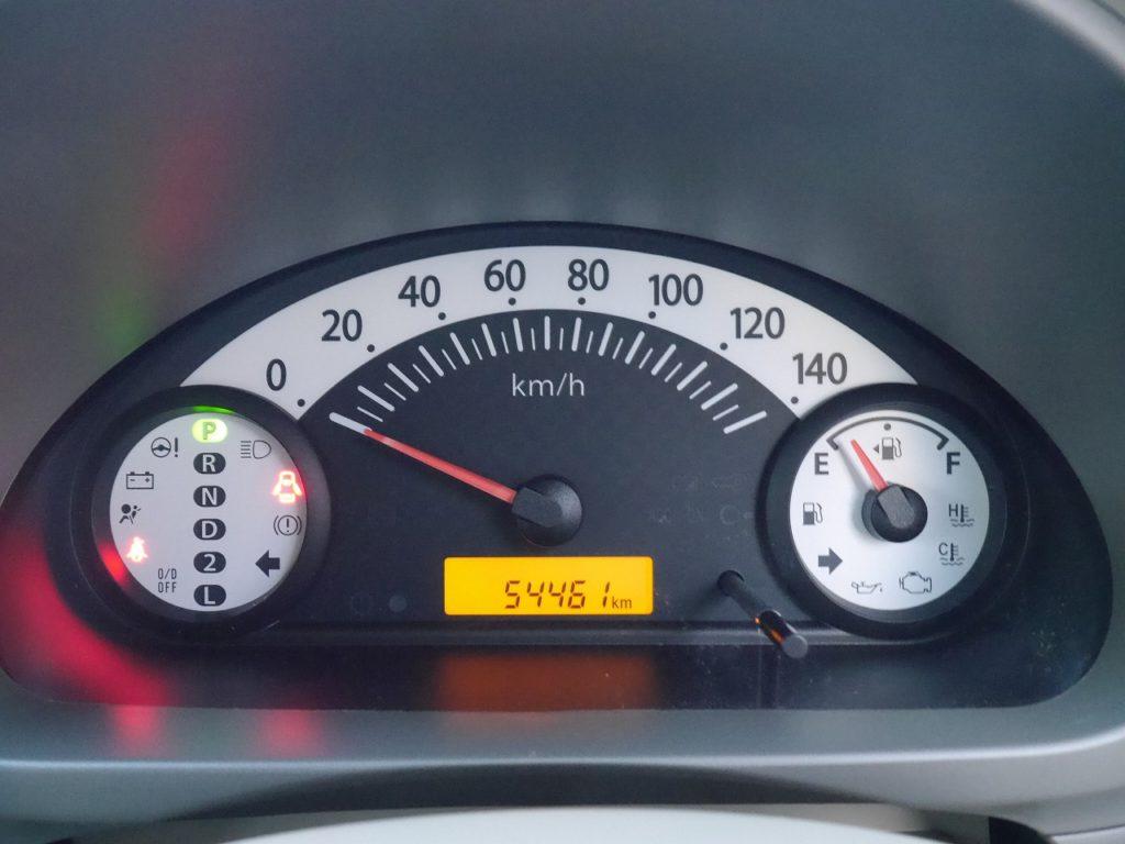 ■走行距離は撮影時点で54,461km! まだまだ走れる走行距離5万km程度のおクルマです♪