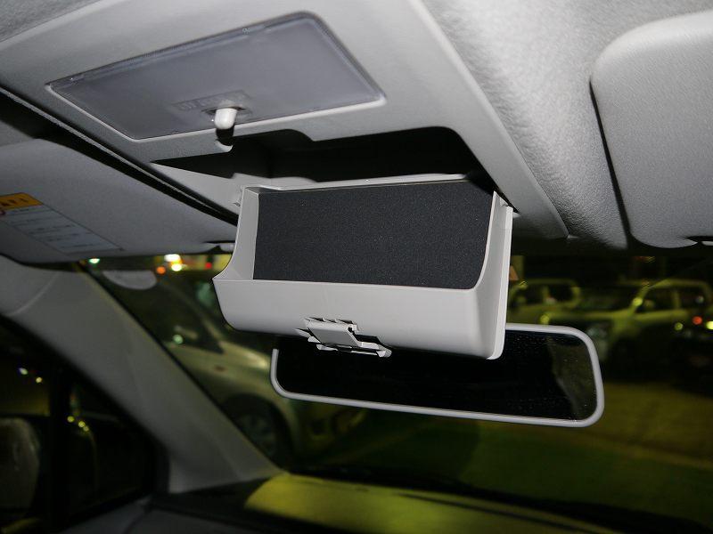 ■車内天井にも収納あり♪ サングラスなど入れておくのにも便利です♪