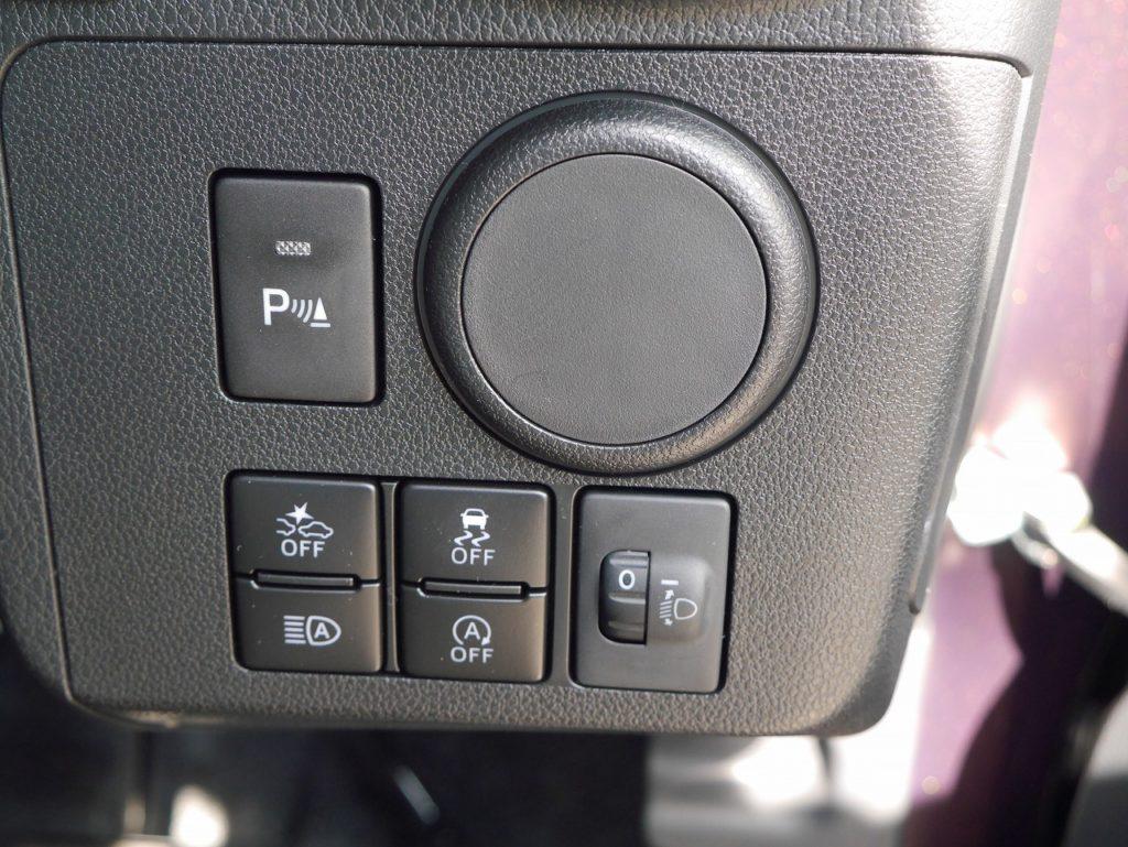 ■パーキングセンサー/衝突被害軽減ブレーキ/横滑り防止装置/オートマチックハイビーム/アイドリングストップ