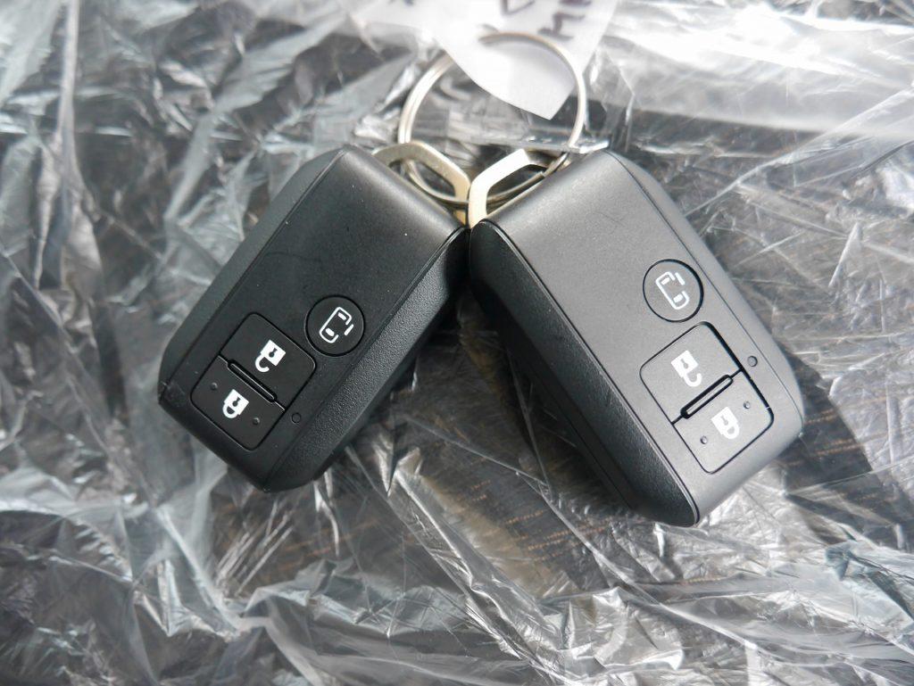 ■鞄などに入れていても簡単に開錠できるスマートキー