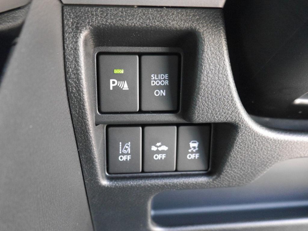 ■パーキングセンサー/パワースライドONOFFスイッチ/車線逸脱警報機能/衝突被害軽減ブレーキ/横滑り防止装置