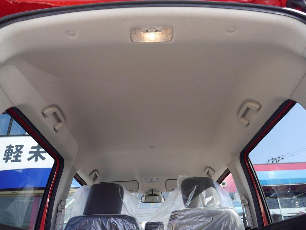 ■未使用車のため内装もキレイな状態のおクルマです♪
