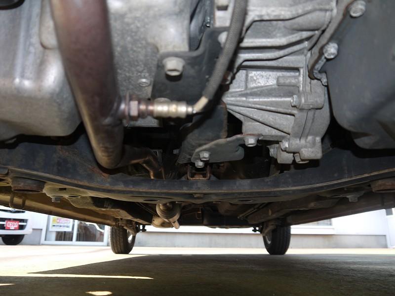■下廻り。中古車をご検討・ご購入の際は、下廻り周辺のサビ状態のチェックをオススメしています♪