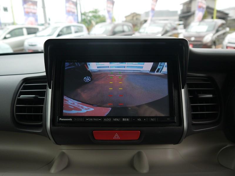 ■バックカメラ搭載のおクルマです。後ろを確認しながら駐車できるので便利です♪
