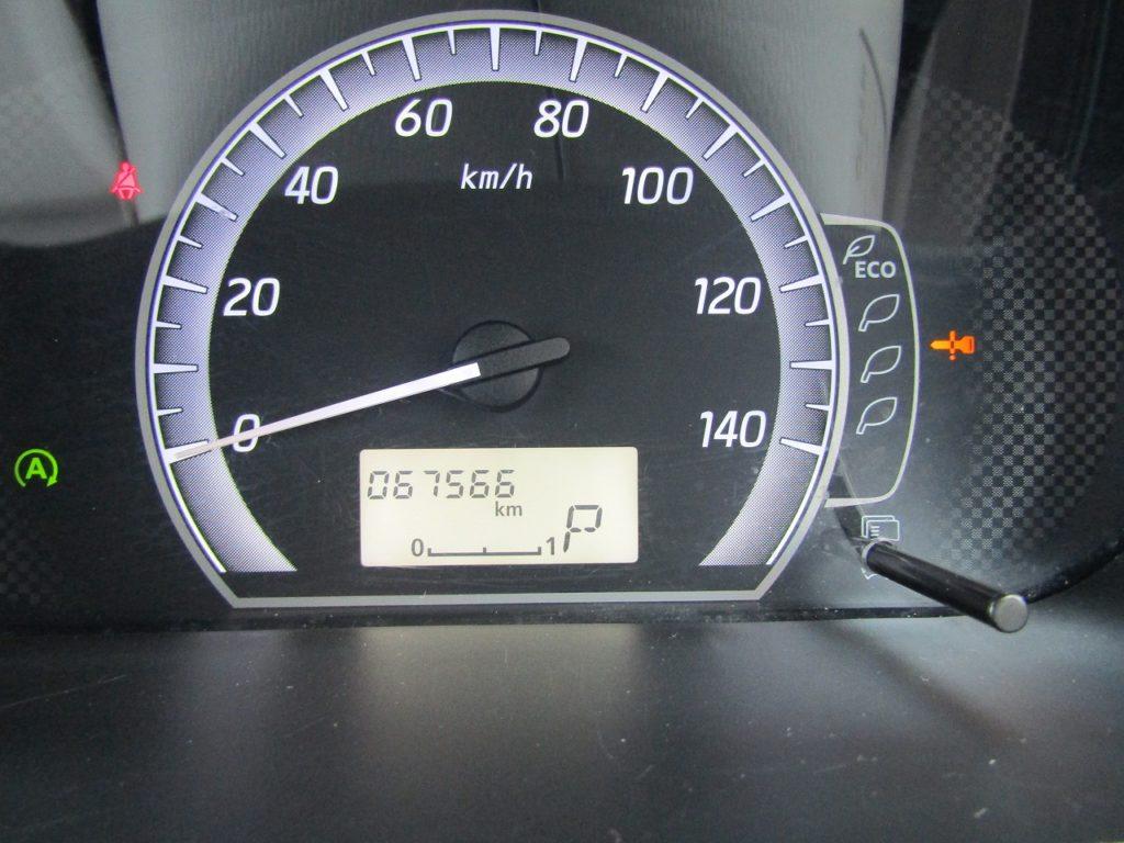 ■走行距離は撮影時点で67,566kmのおクルマです